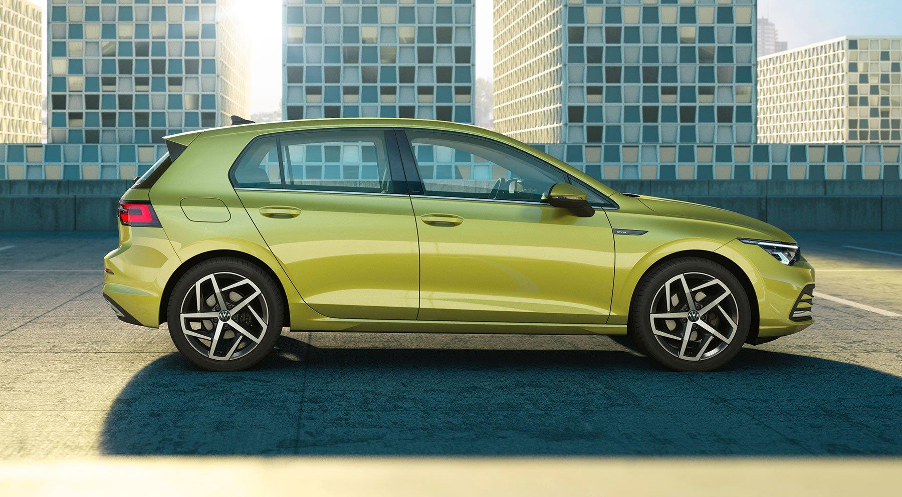 VW_Golf_8_leaked_0002