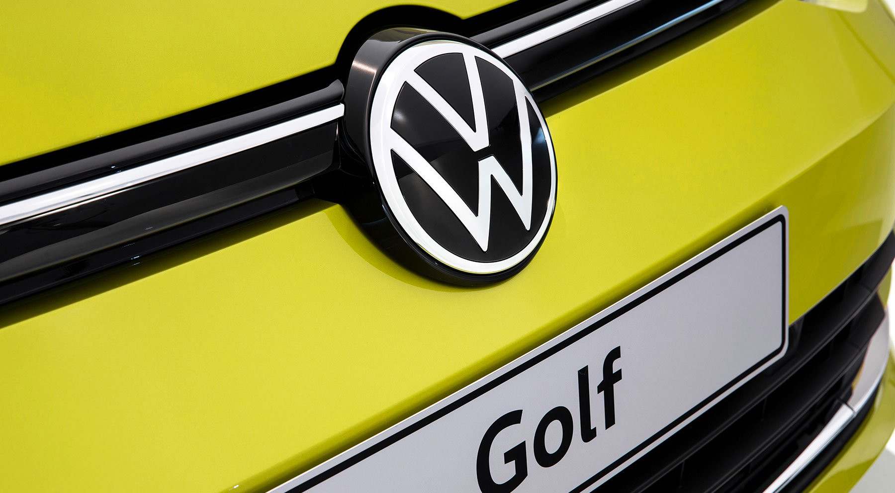 VW_Golf_8_leaked_0025