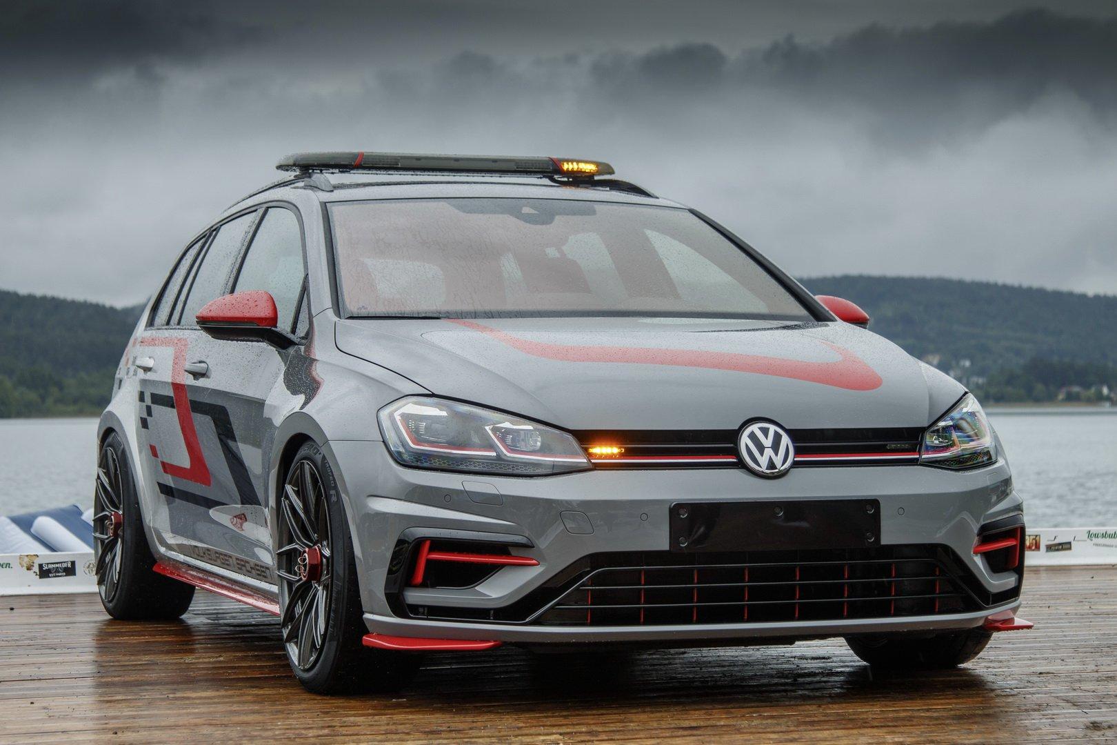 VW-Golf-Estate-R-4MOTION-FighteR-1