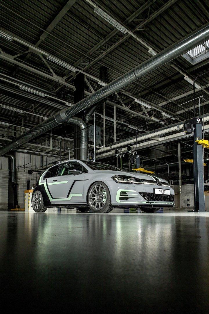 VW-Golf-GTI-Aurora-3