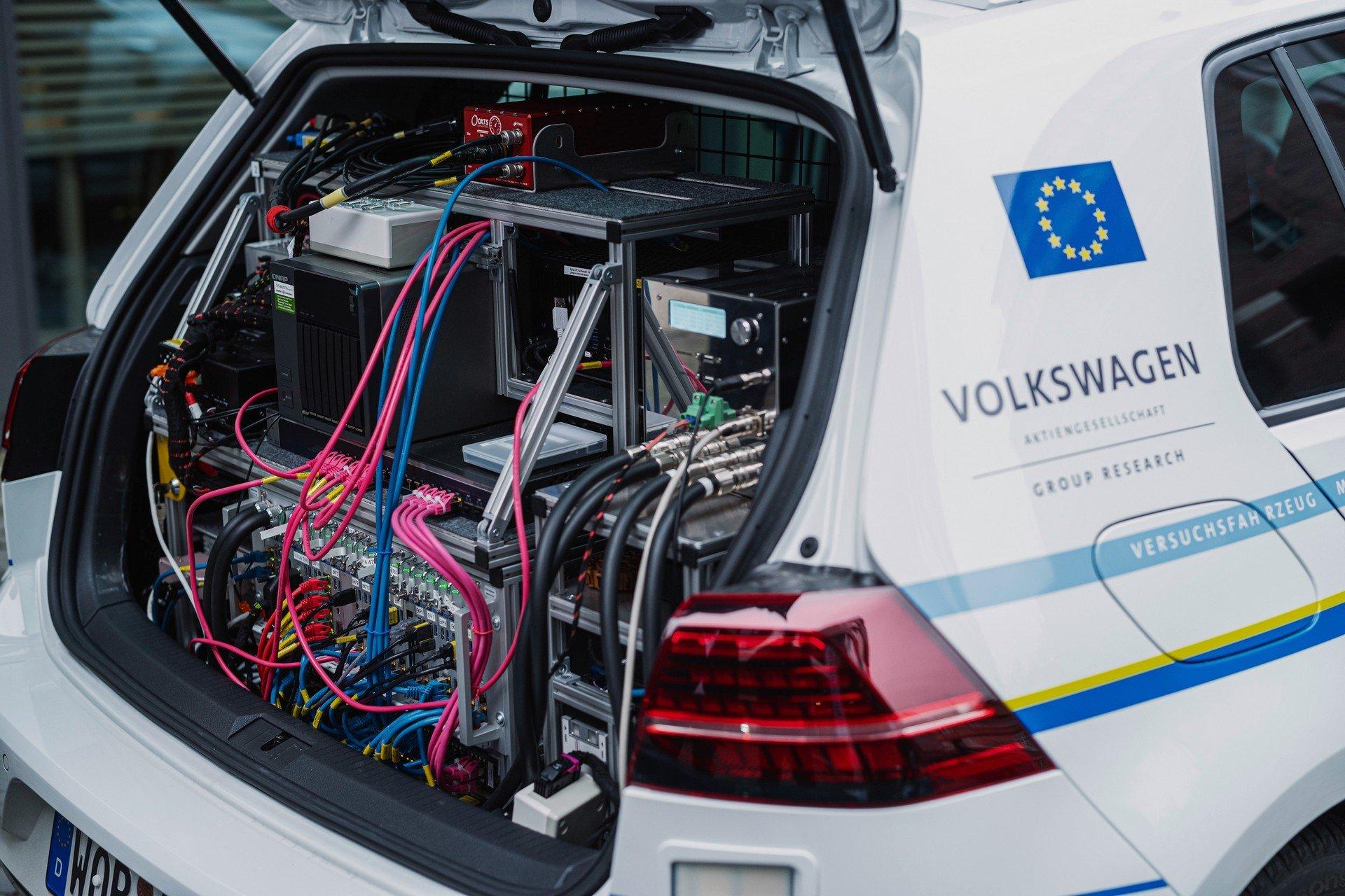 VW-Volkswagen-e-Golf-Autonomous-5