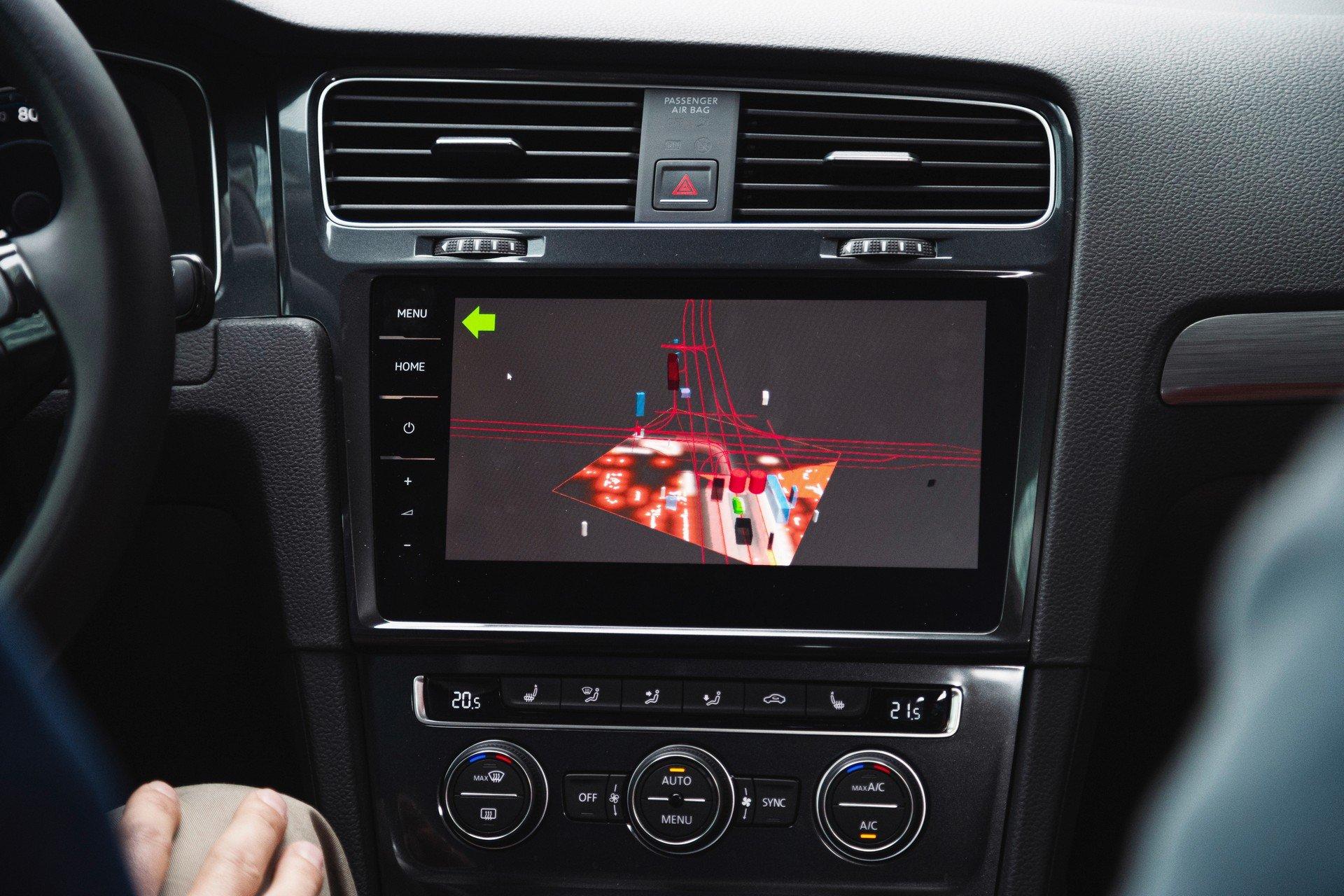 VW-Volkswagen-e-Golf-Autonomous-8