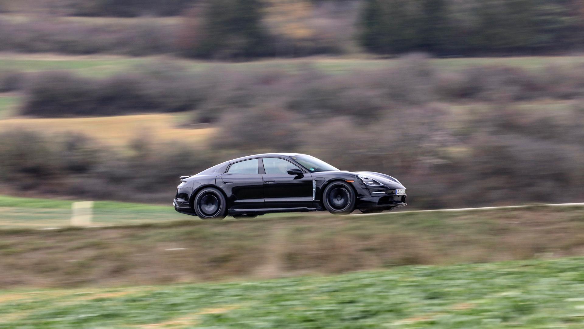 Porsche_Taycan_Walter_Röhrl_0002