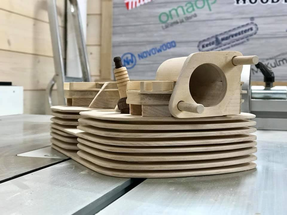 Wooden Volkswagen Engine Wood Art Finland (145)