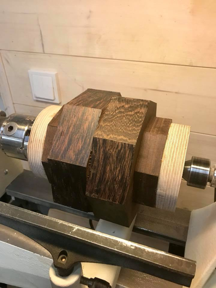 Wooden Volkswagen Engine Wood Art Finland (59)