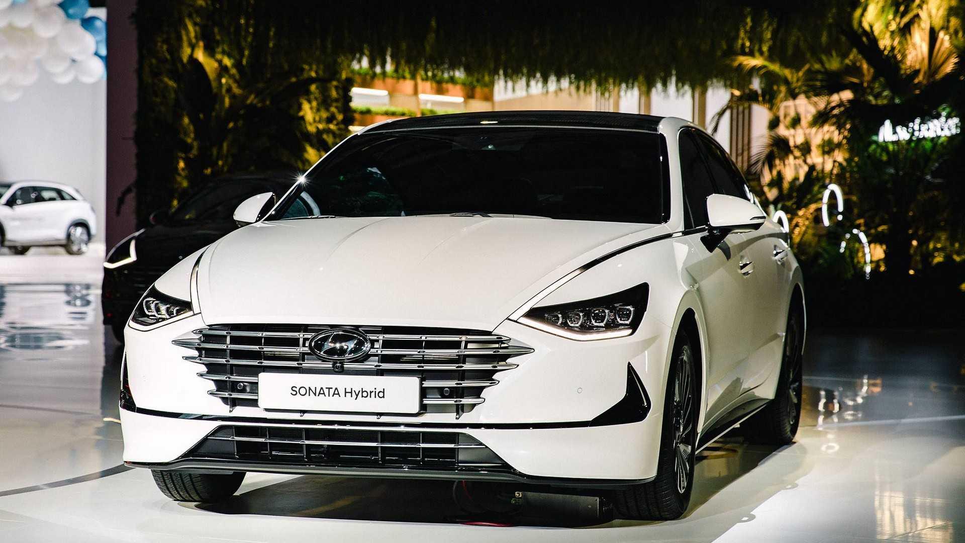 2020-Hyundai-Sonata-Hybrid_2