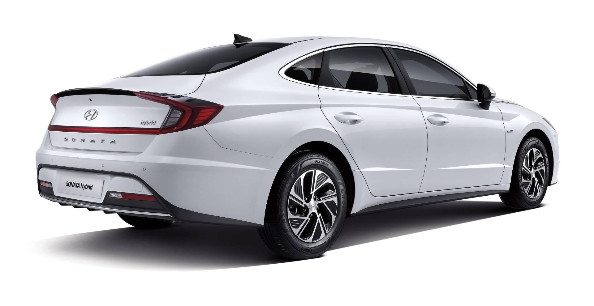 2020_Hyundai_Sonata_Hybrid_0001