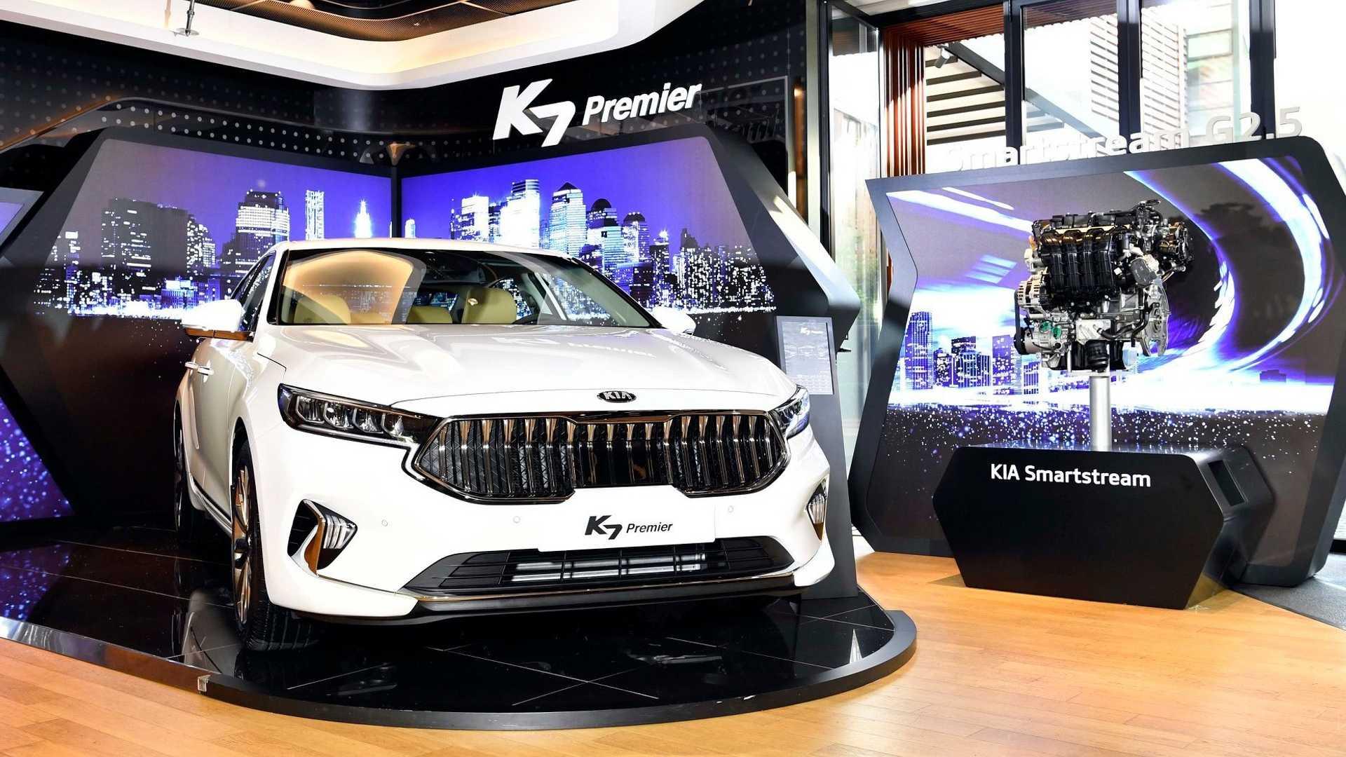2020_Kia_K7_facelift_0001