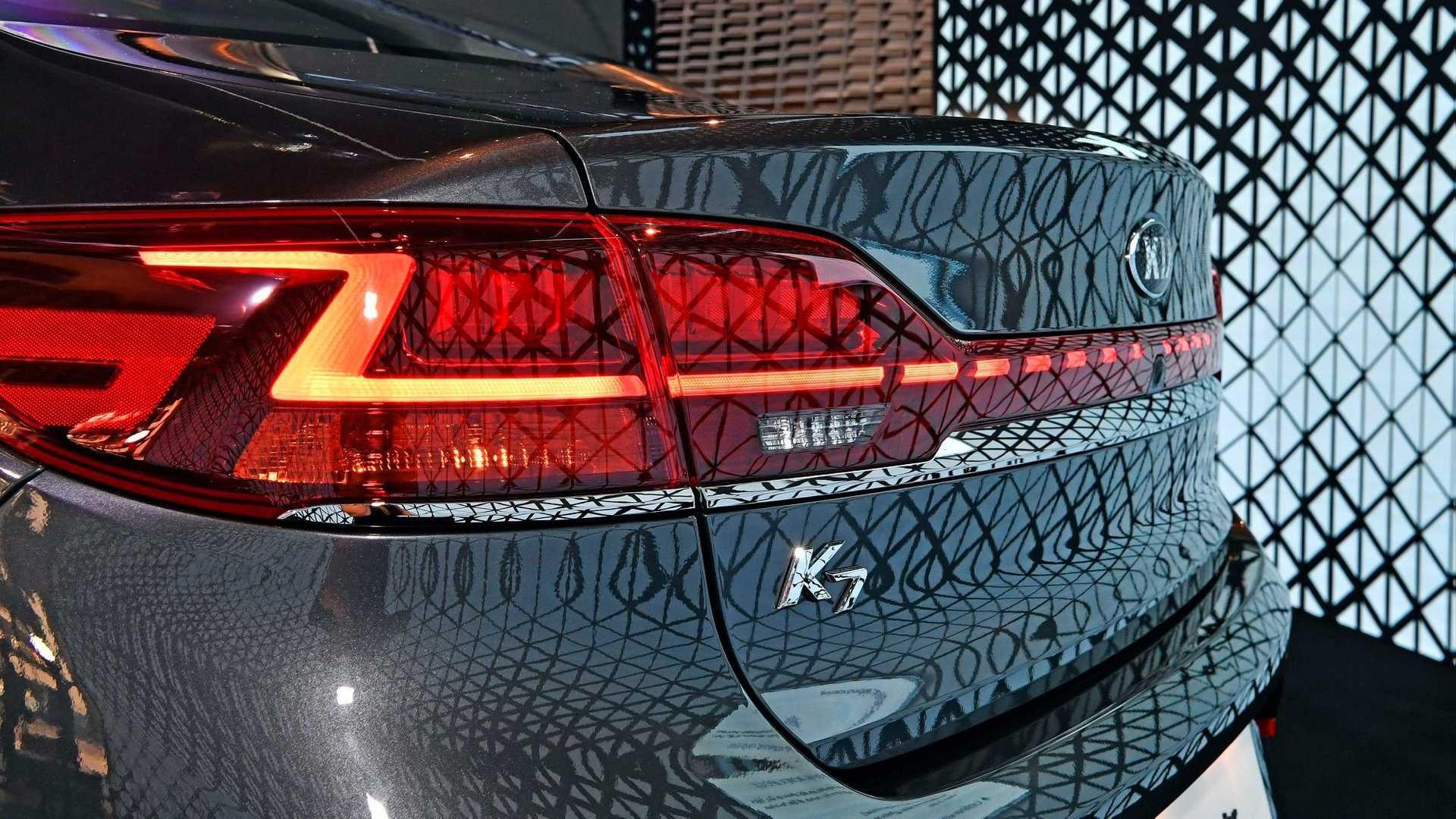2020_Kia_K7_facelift_0003