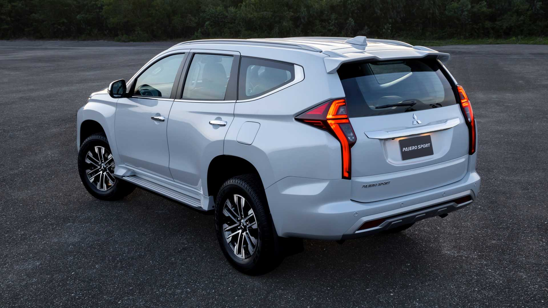 2020_Mitsubishi_Pajero_Sport_facelift_0014