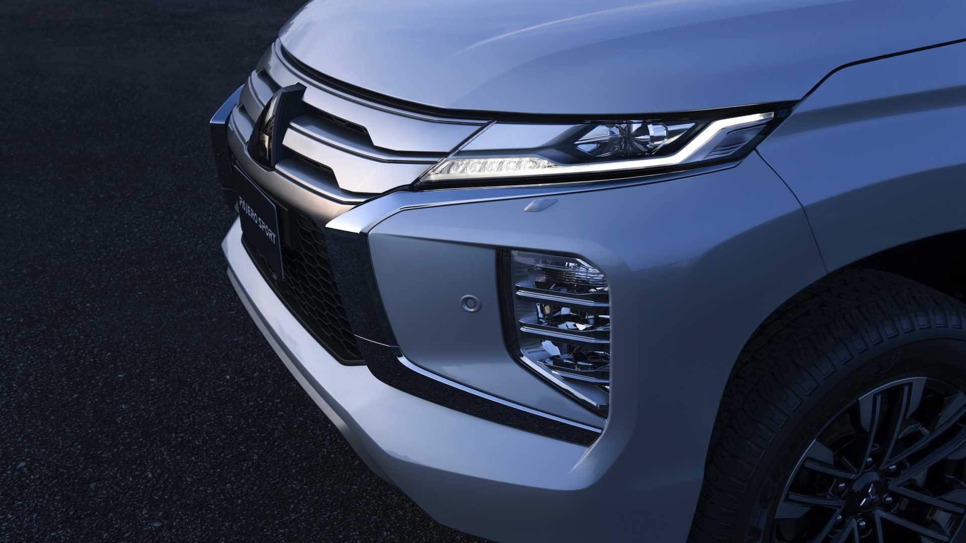 2020_Mitsubishi_Pajero_Sport_facelift_0026