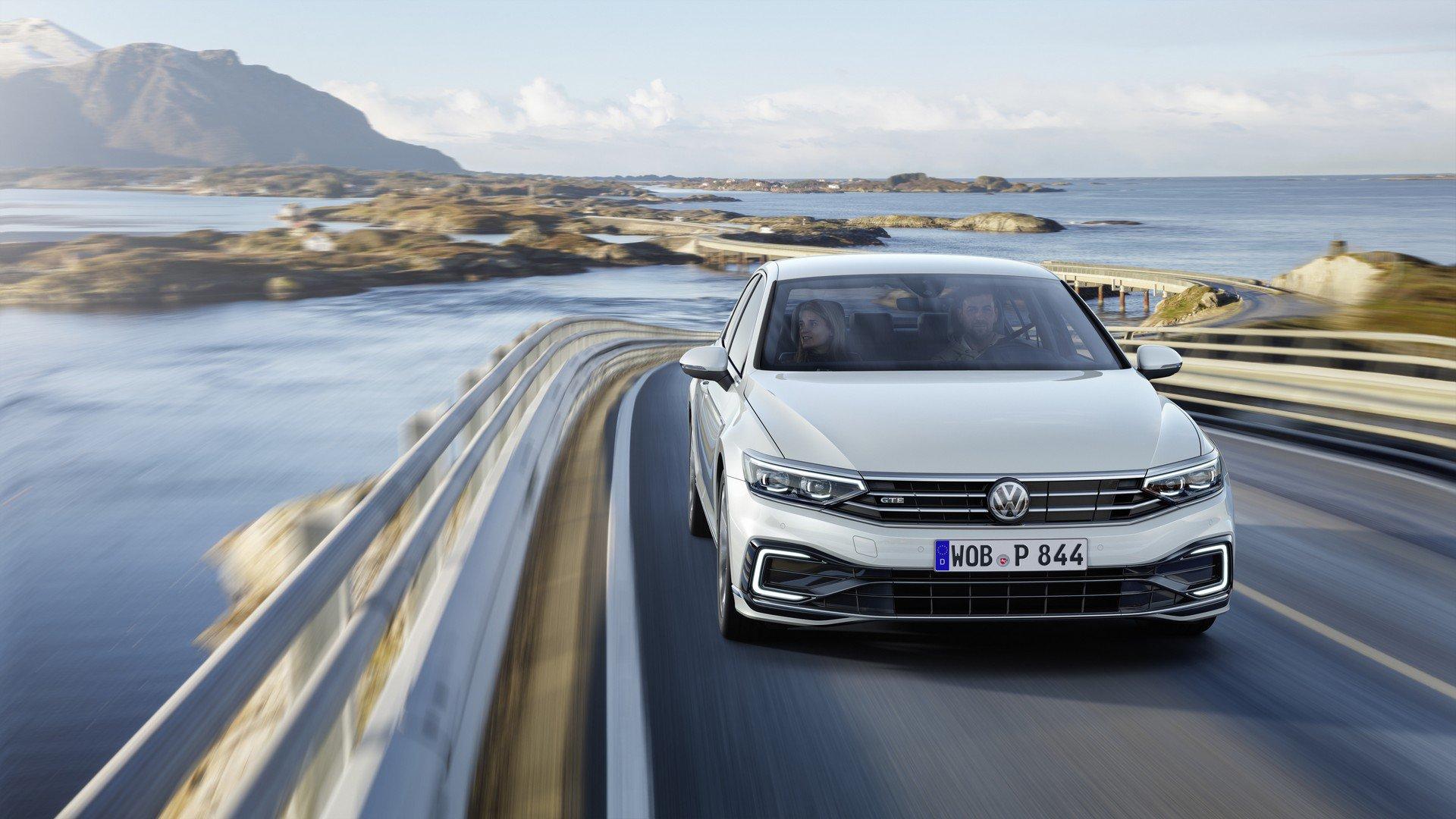 2020_VW_Passat_GTE_0010
