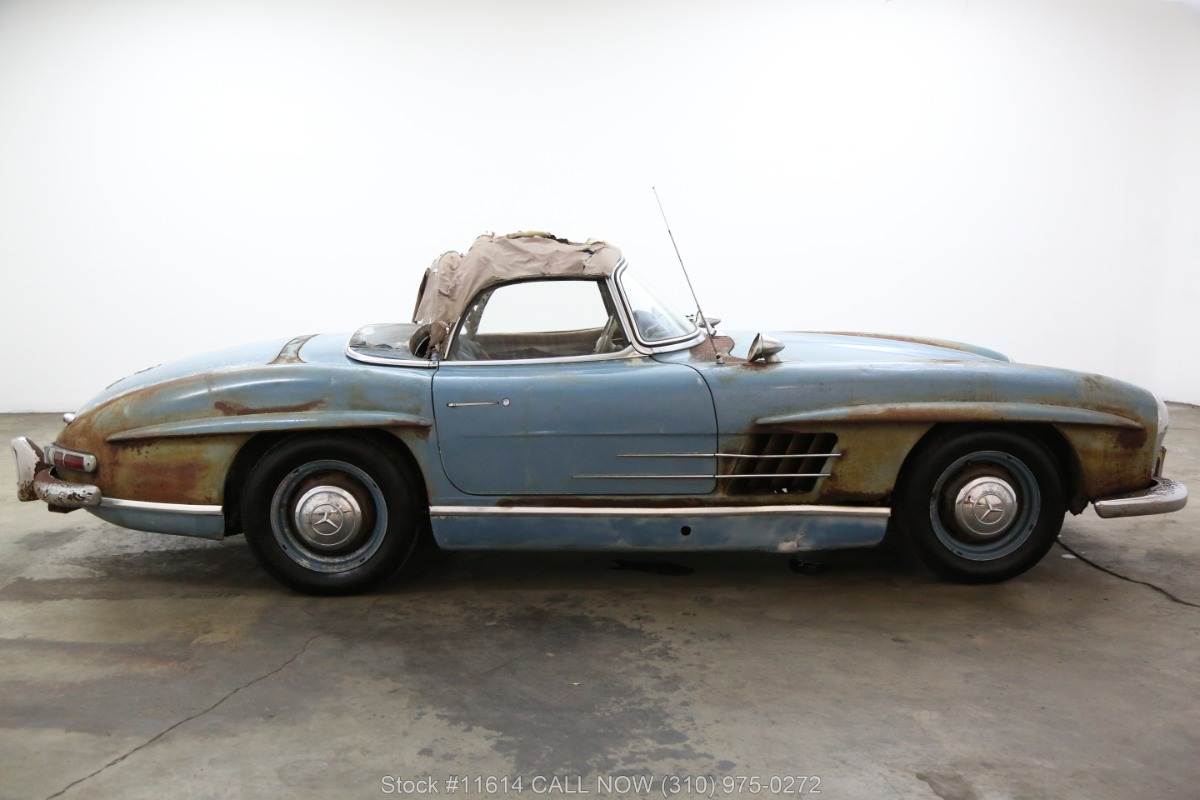 1961_Mercedes-Benz_300SL_Roadster_0008