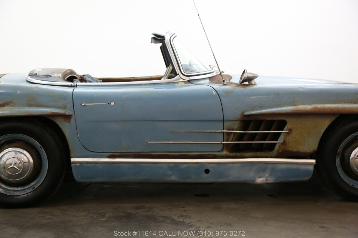 1961_Mercedes-Benz_300SL_Roadster_0013