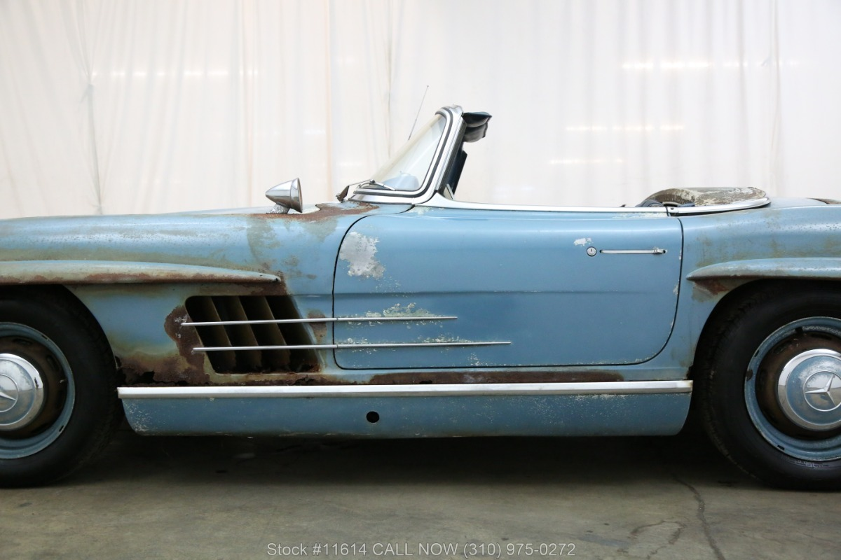 1961_Mercedes-Benz_300SL_Roadster_0016