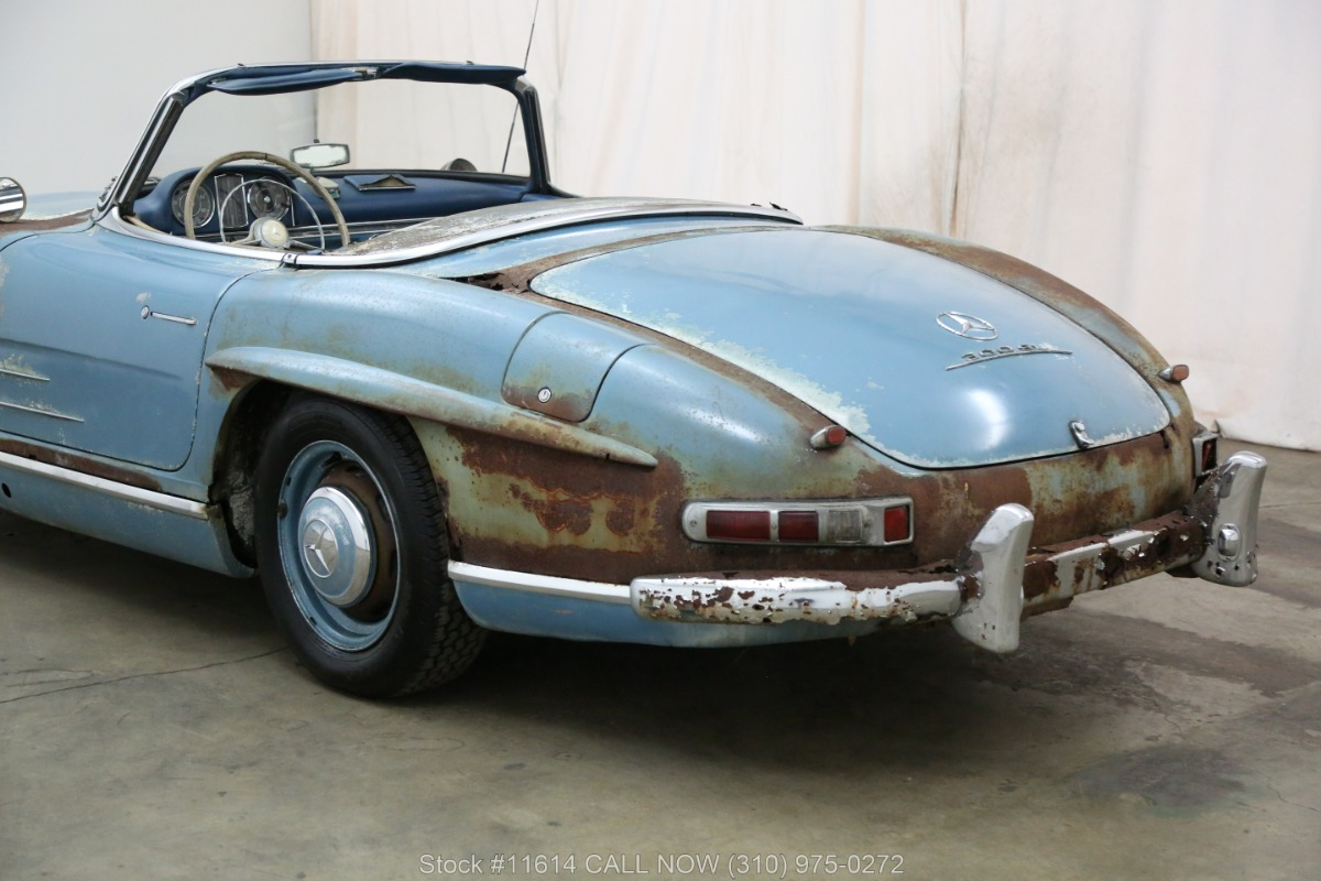 1961_Mercedes-Benz_300SL_Roadster_0021