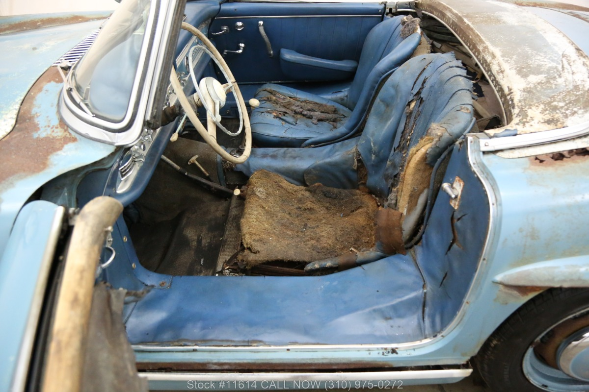1961_Mercedes-Benz_300SL_Roadster_0023