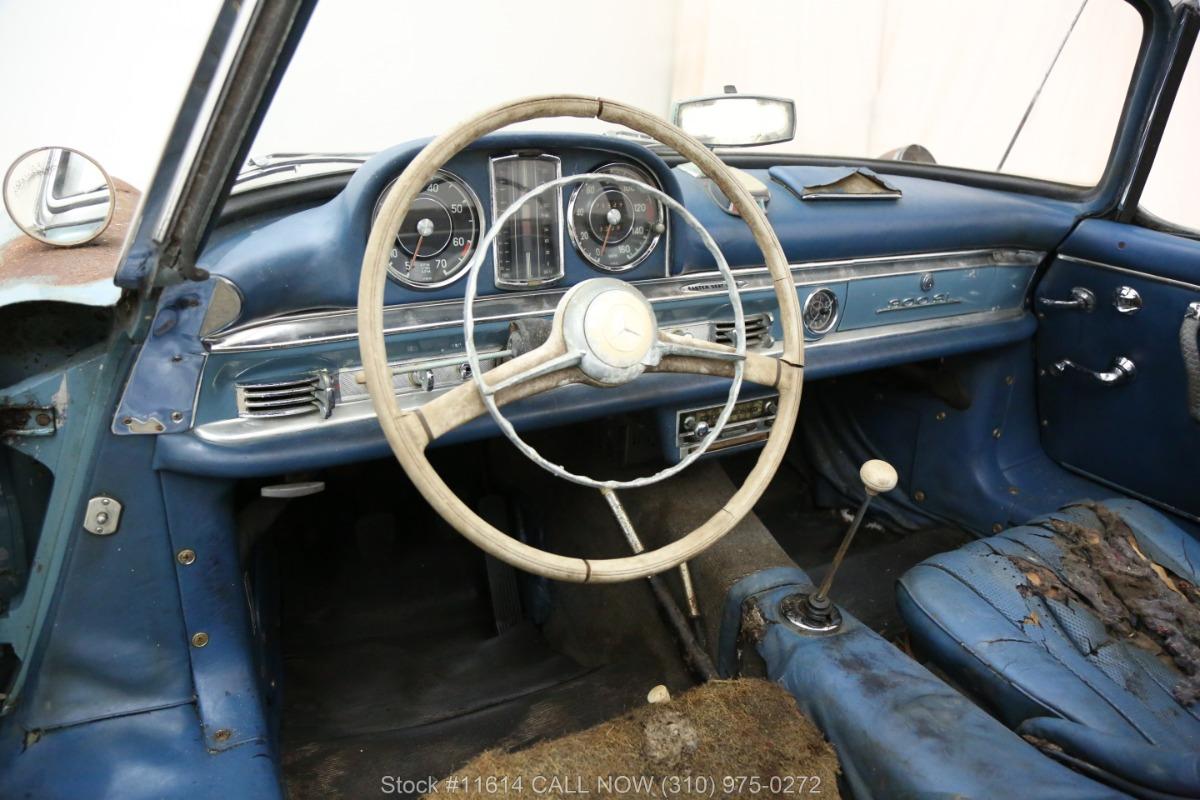 1961_Mercedes-Benz_300SL_Roadster_0026