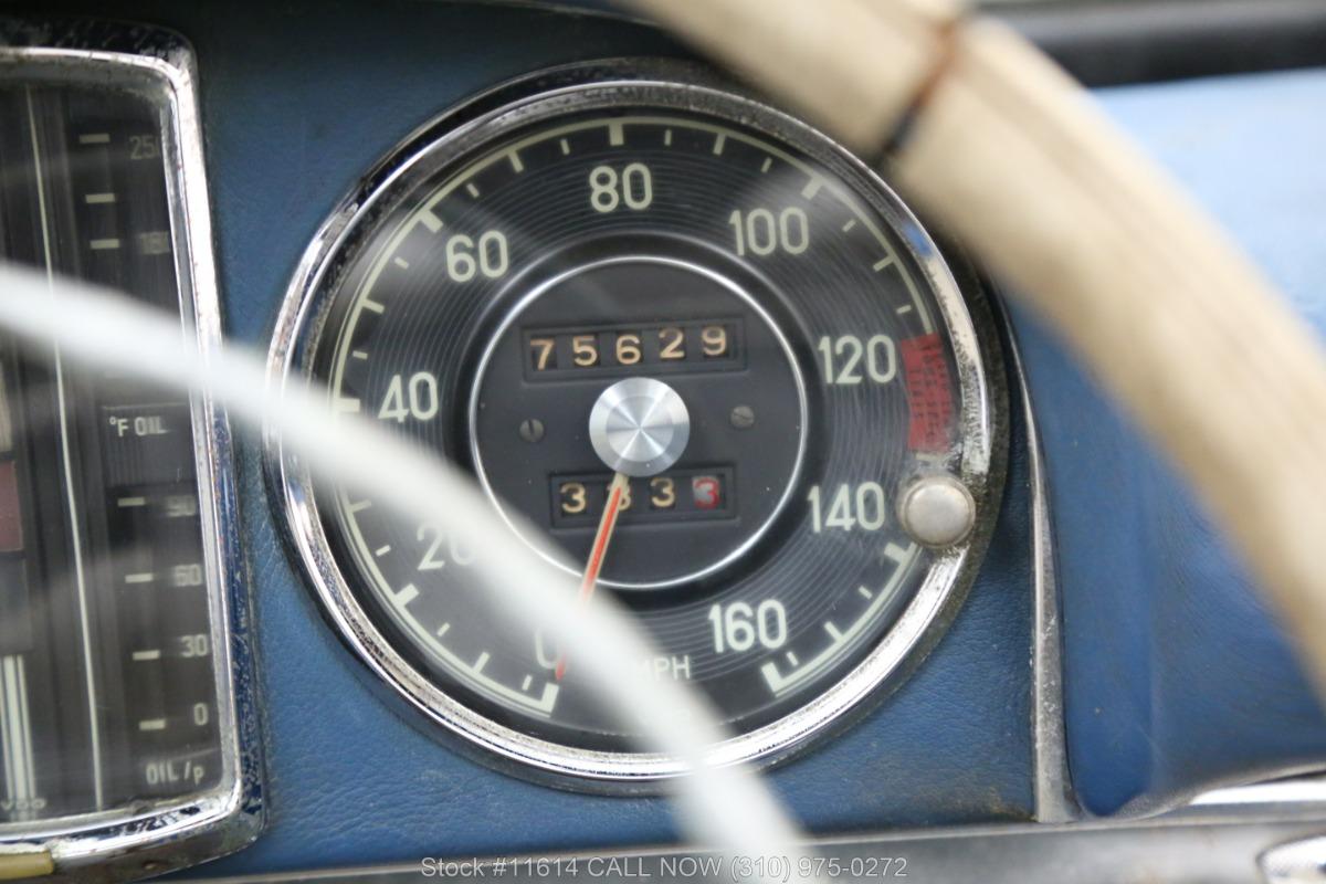 1961_Mercedes-Benz_300SL_Roadster_0028