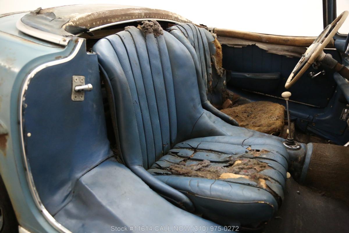 1961_Mercedes-Benz_300SL_Roadster_0030