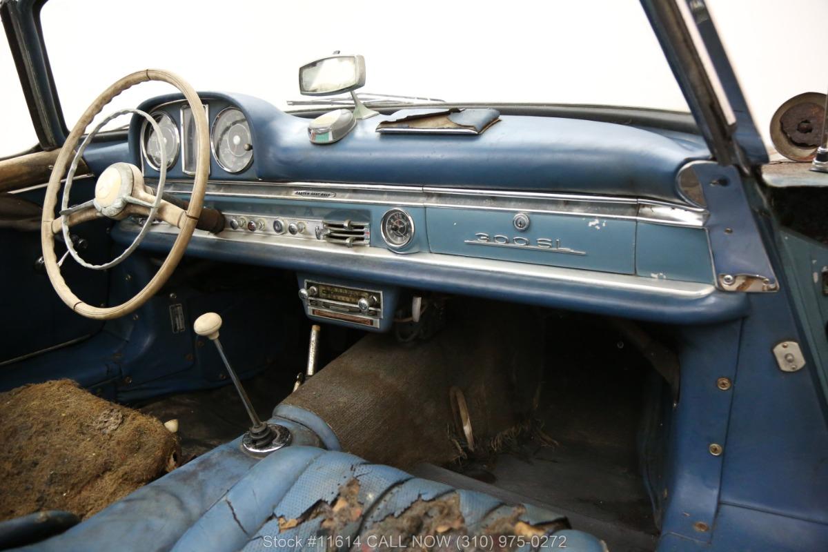 1961_Mercedes-Benz_300SL_Roadster_0033
