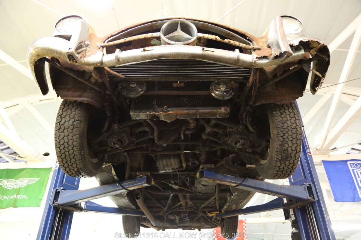 1961_Mercedes-Benz_300SL_Roadster_0046