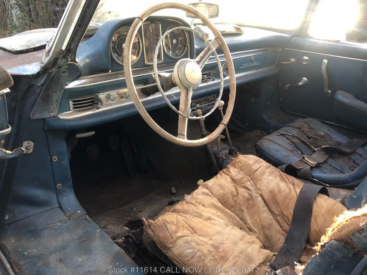 1961_Mercedes-Benz_300SL_Roadster_0052