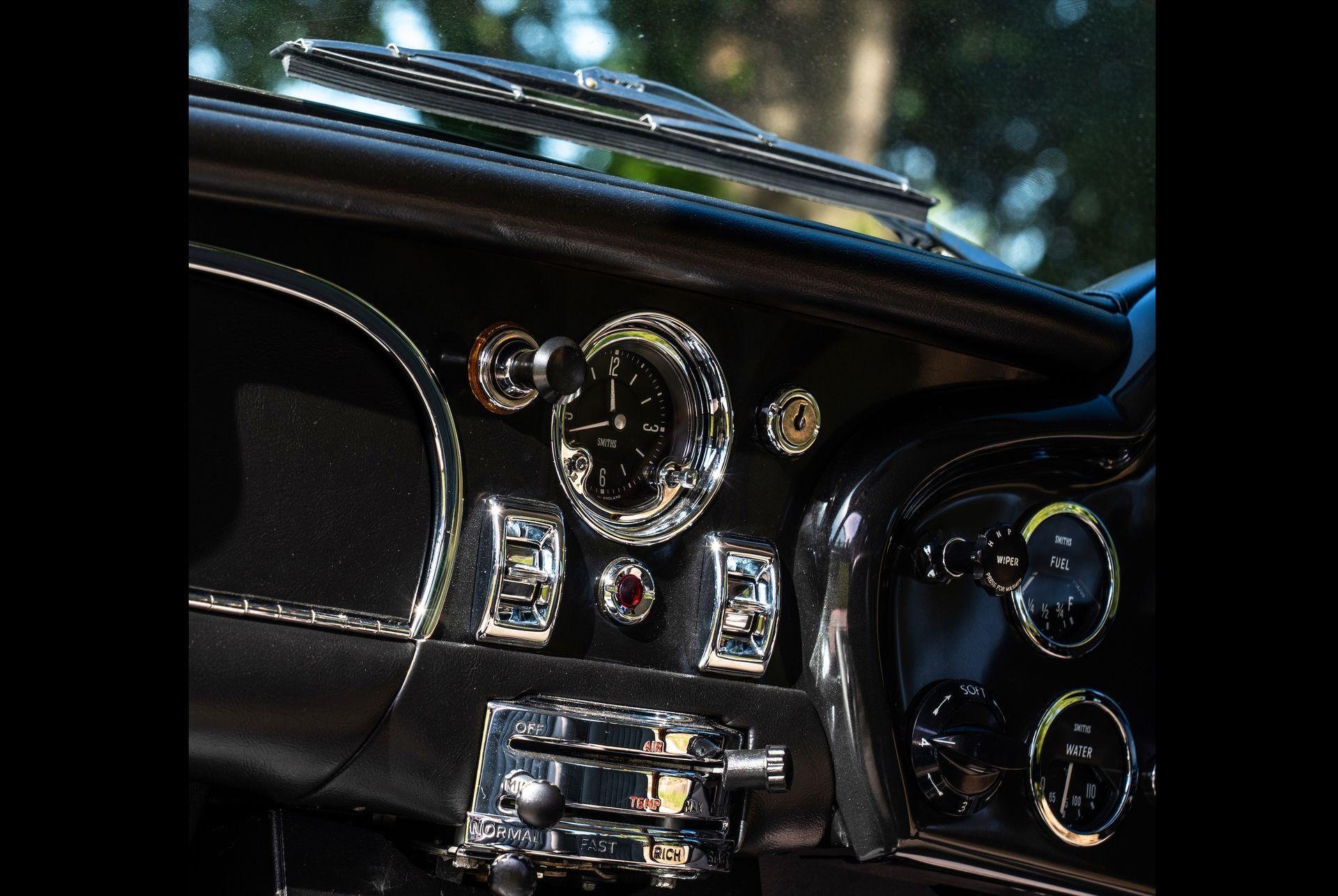 1963_Aston_MartinDB5_auction_0006