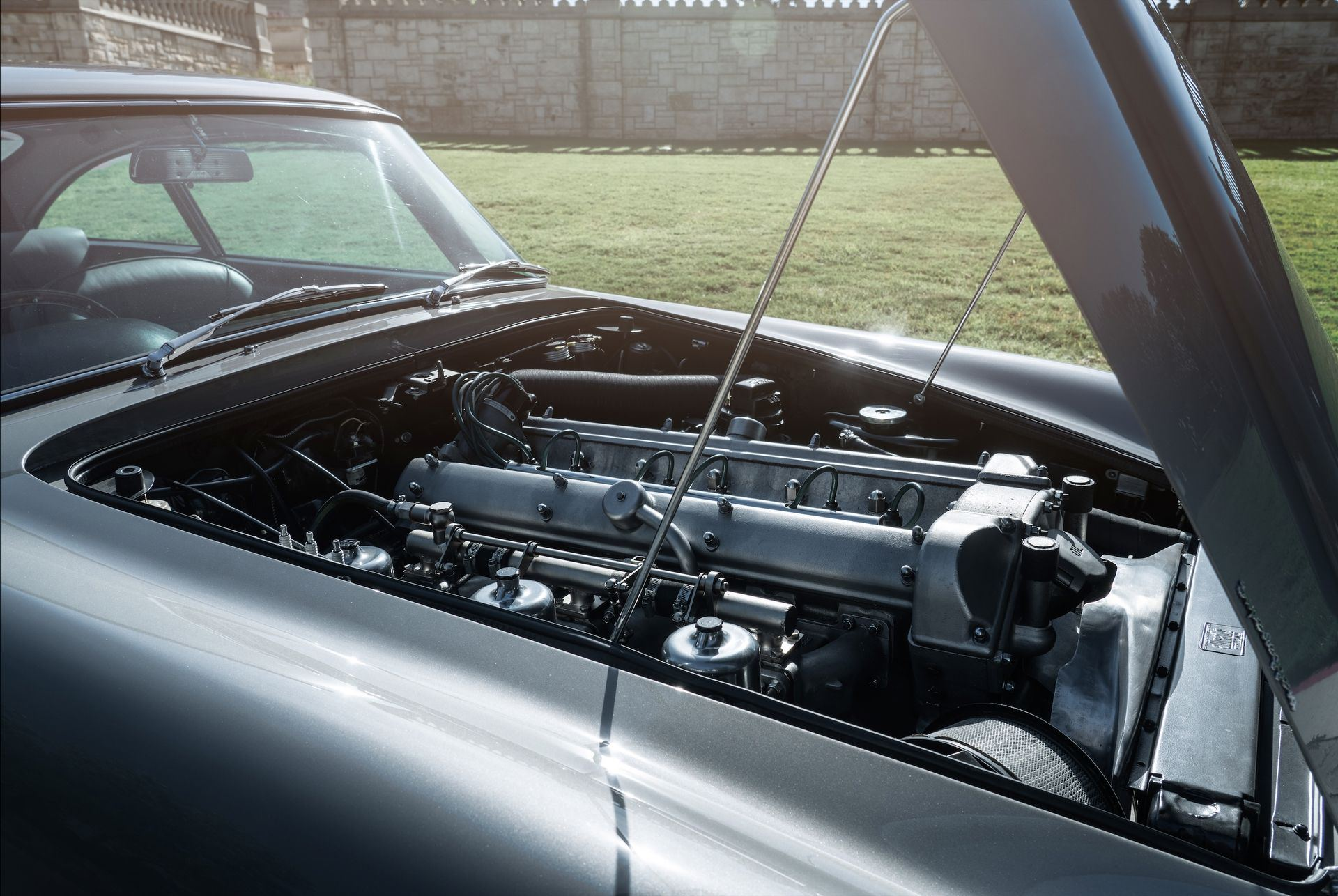 1963_Aston_MartinDB5_auction_0016