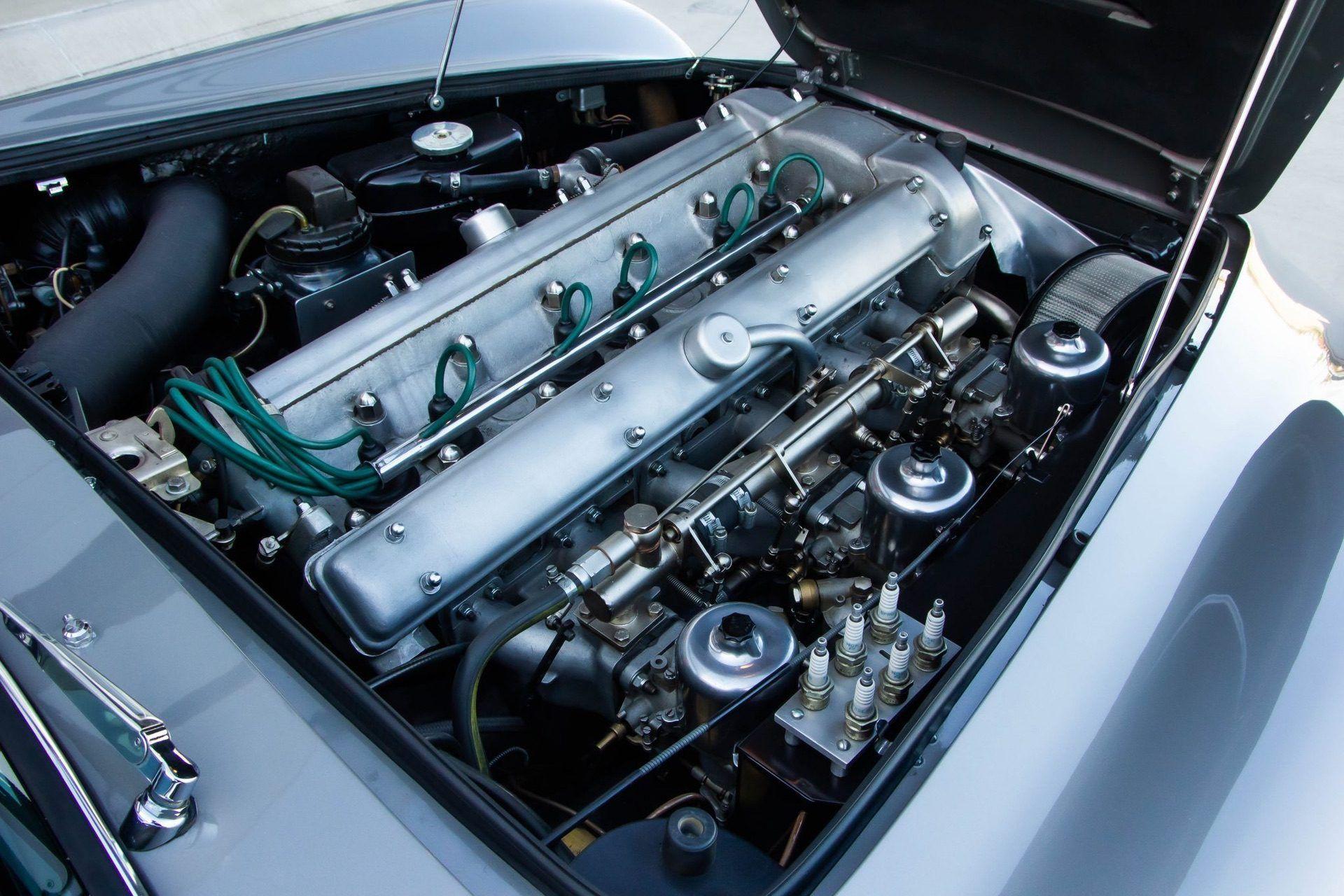 1963_Aston_MartinDB5_auction_0025