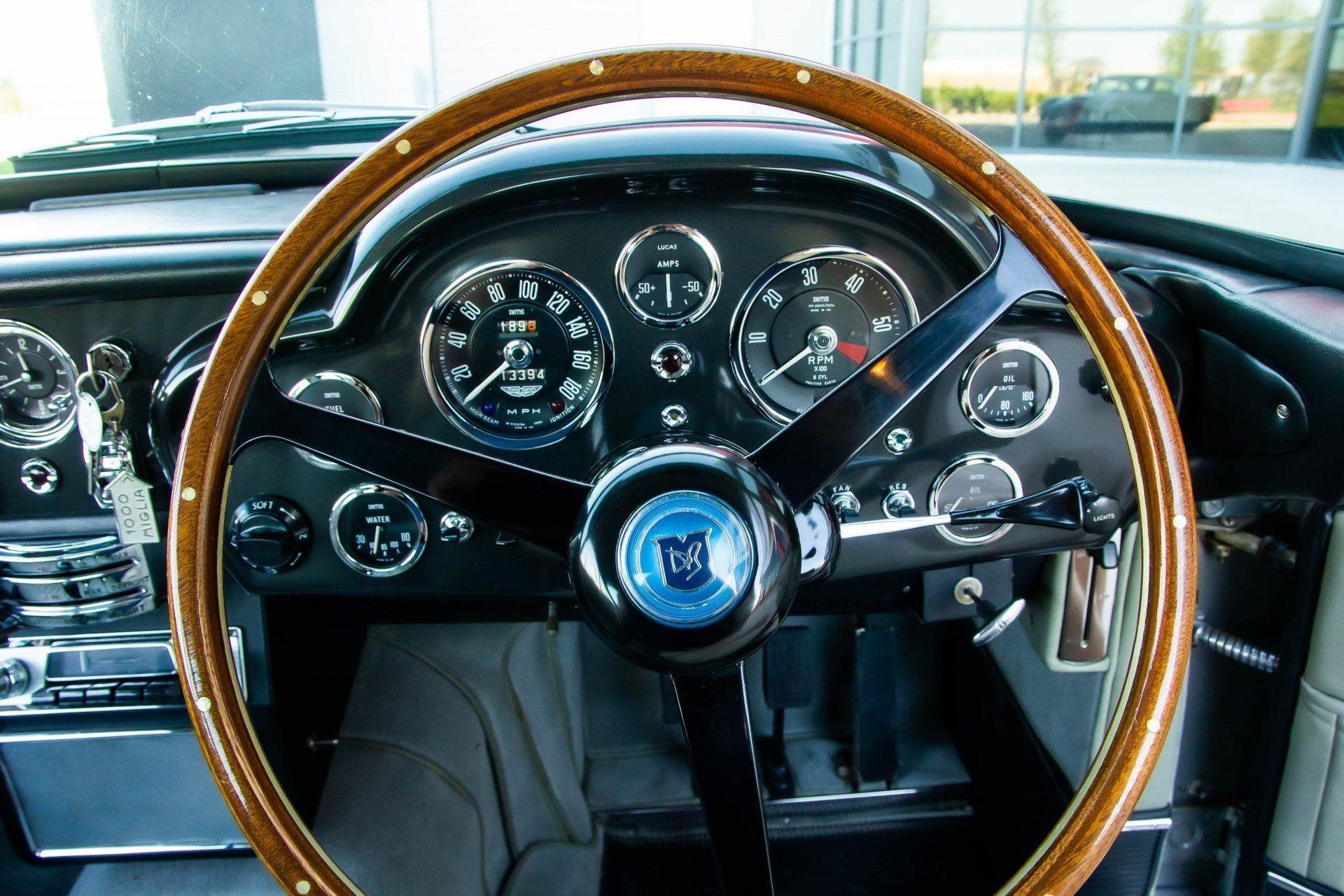 1963_Aston_MartinDB5_auction_0026