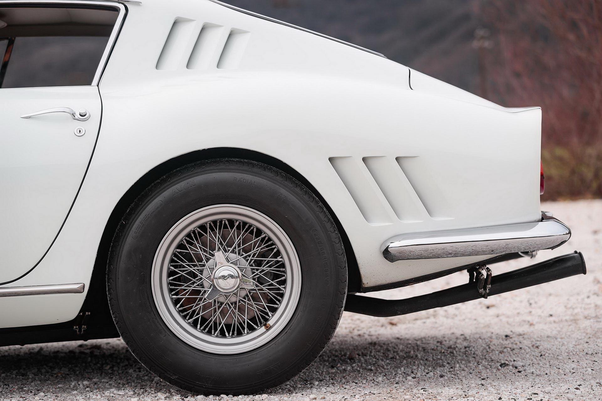 1965_Ferrari_275_GTB_6C_0014