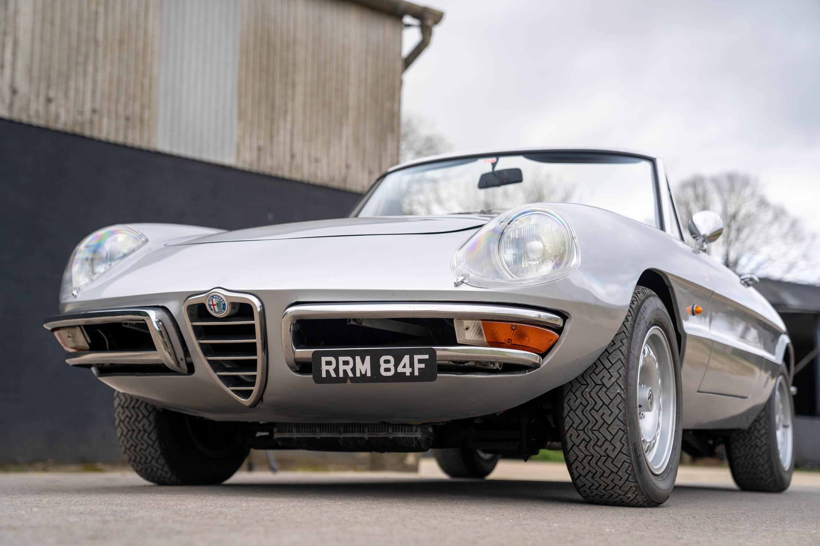 1967_Alfa_Romeo_Spider_0005