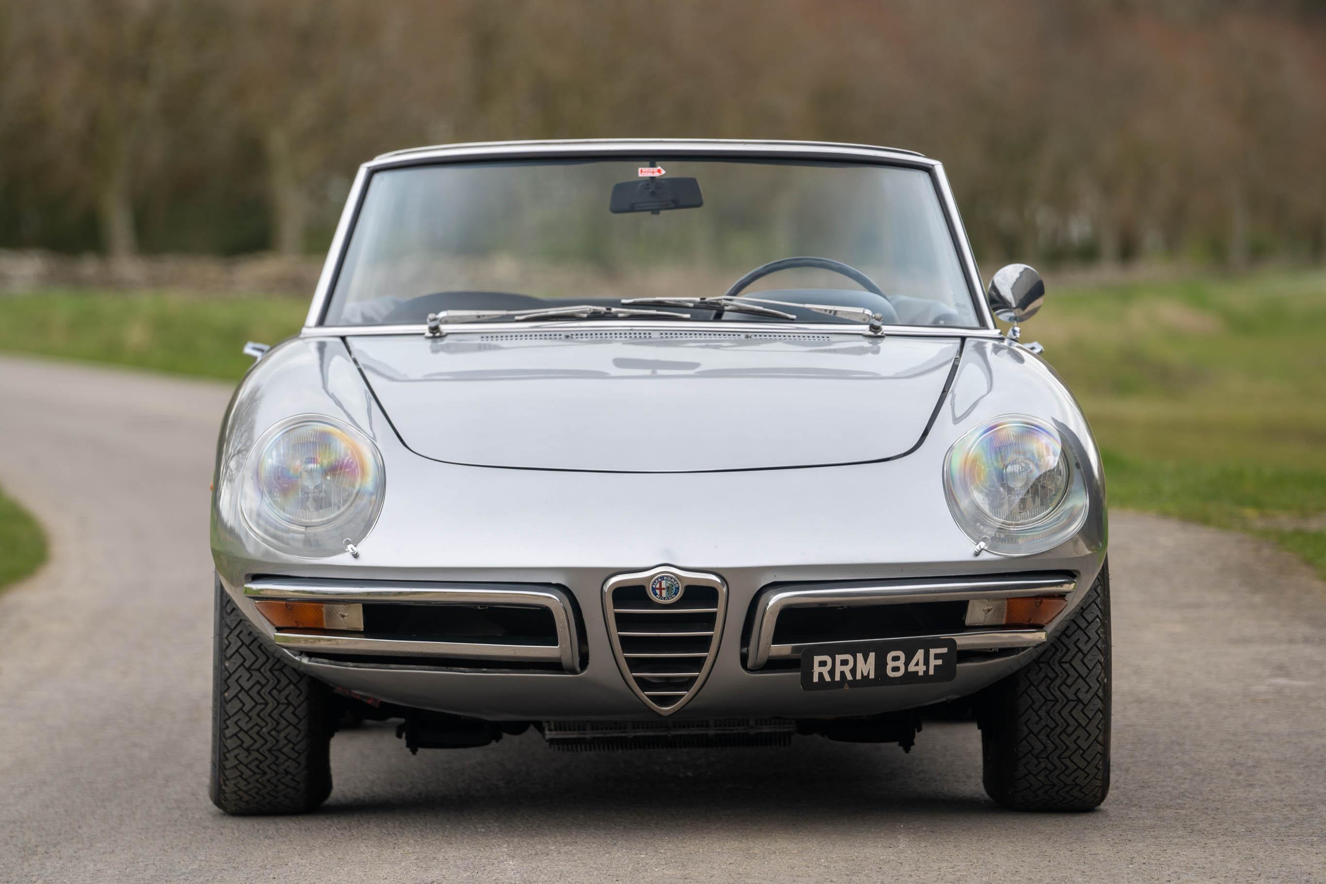 1967_Alfa_Romeo_Spider_0010