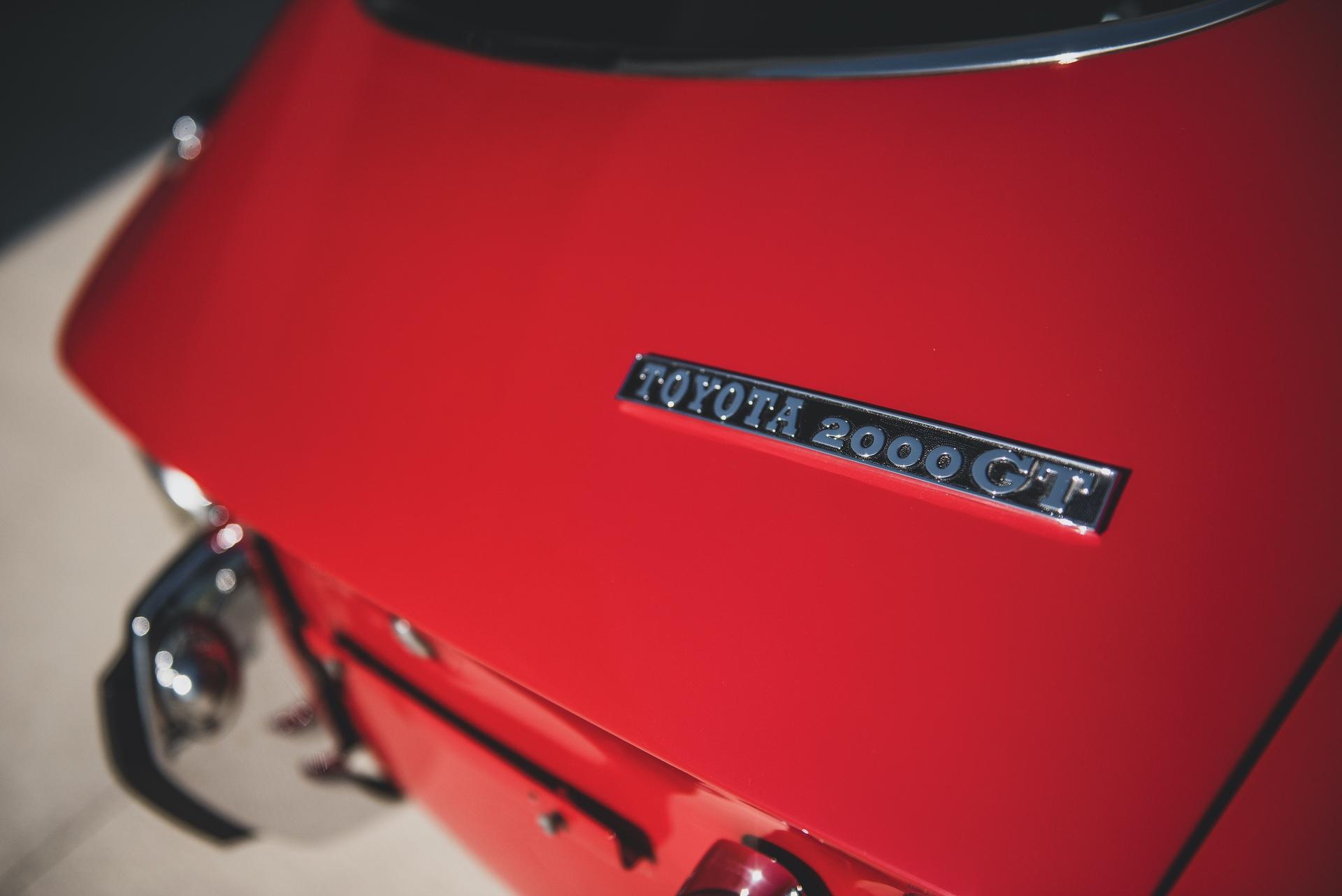 1967-Toyota-2000GT-_12