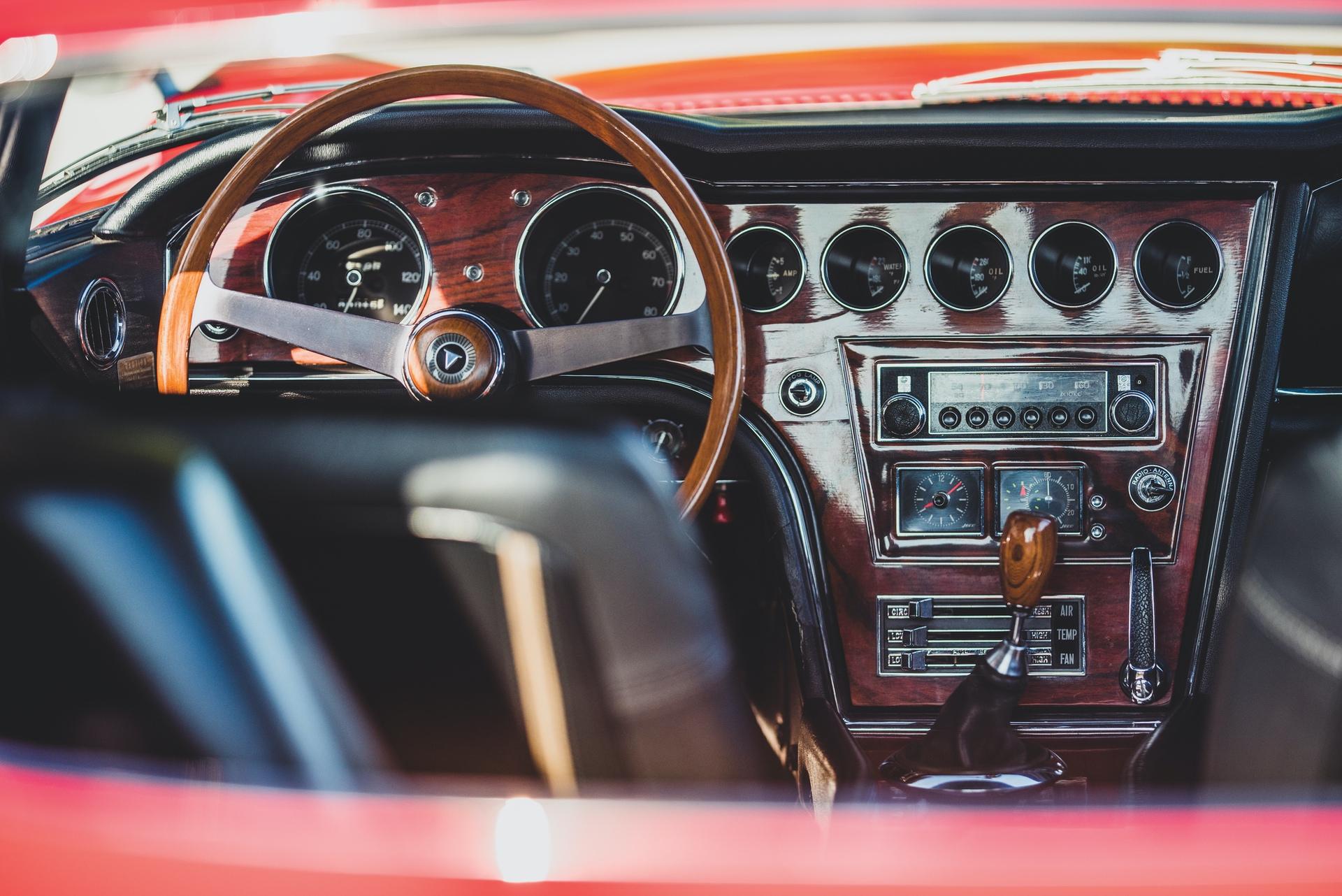 1967-Toyota-2000GT-_19