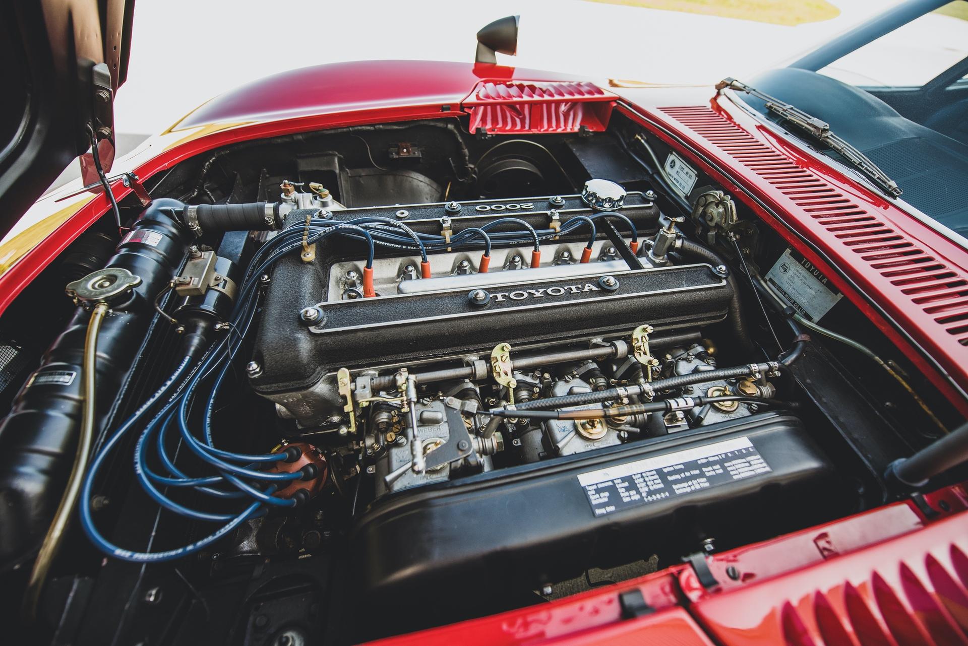1967-Toyota-2000GT-_2
