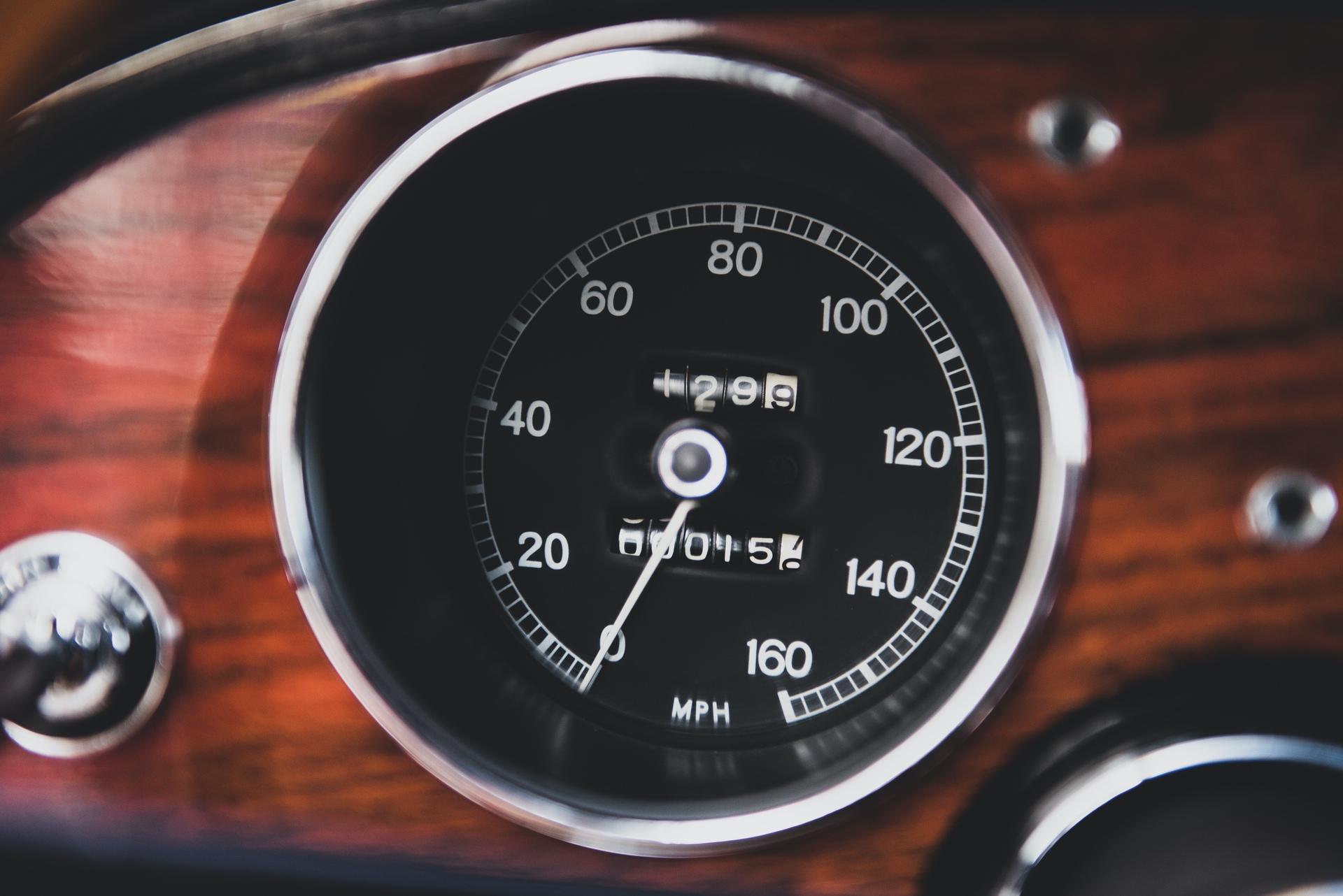 1967-Toyota-2000GT-_24