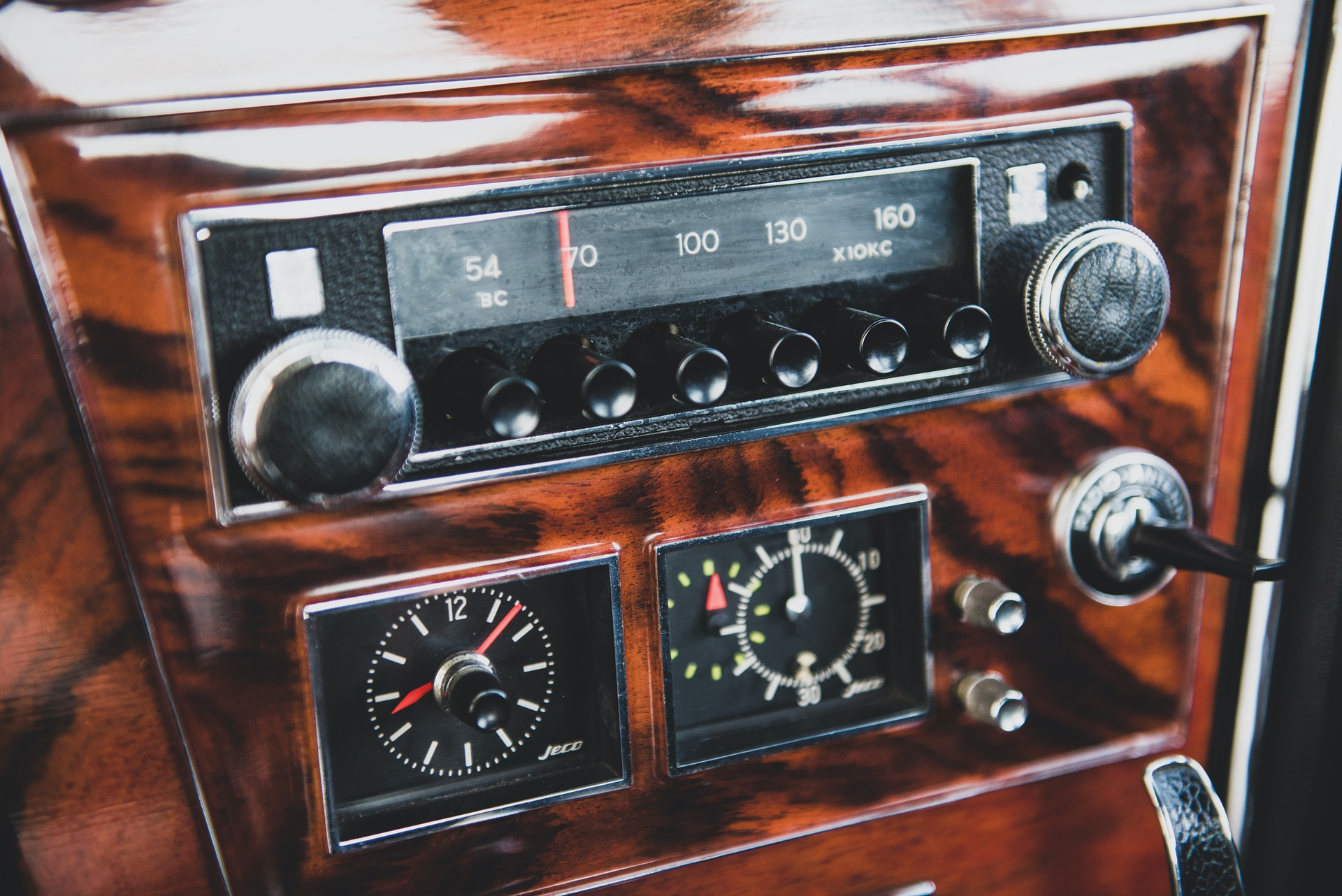 1967-Toyota-2000GT-_27