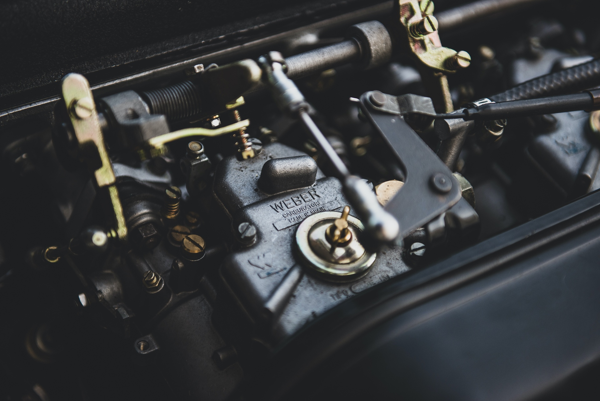 1967-Toyota-2000GT-_33