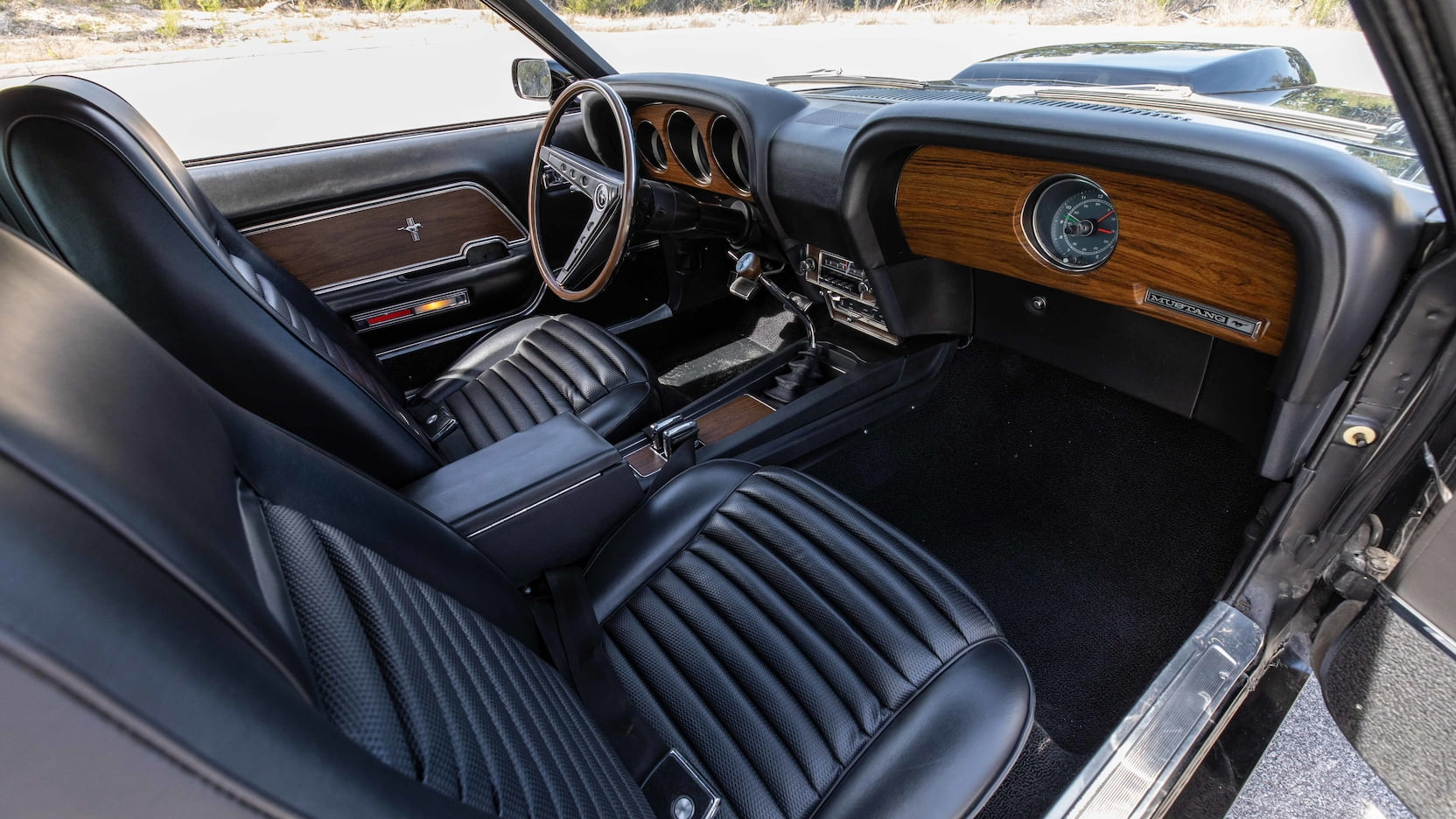1969_Ford_Mustang_Boss_429_Fastback_0002