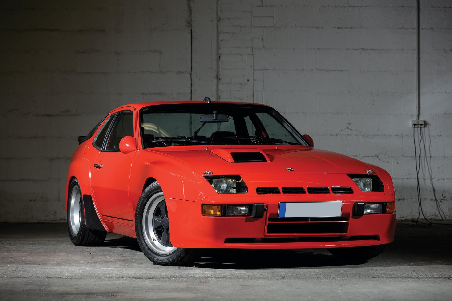 1982-Porsche-924-Carrera-GTS-_0