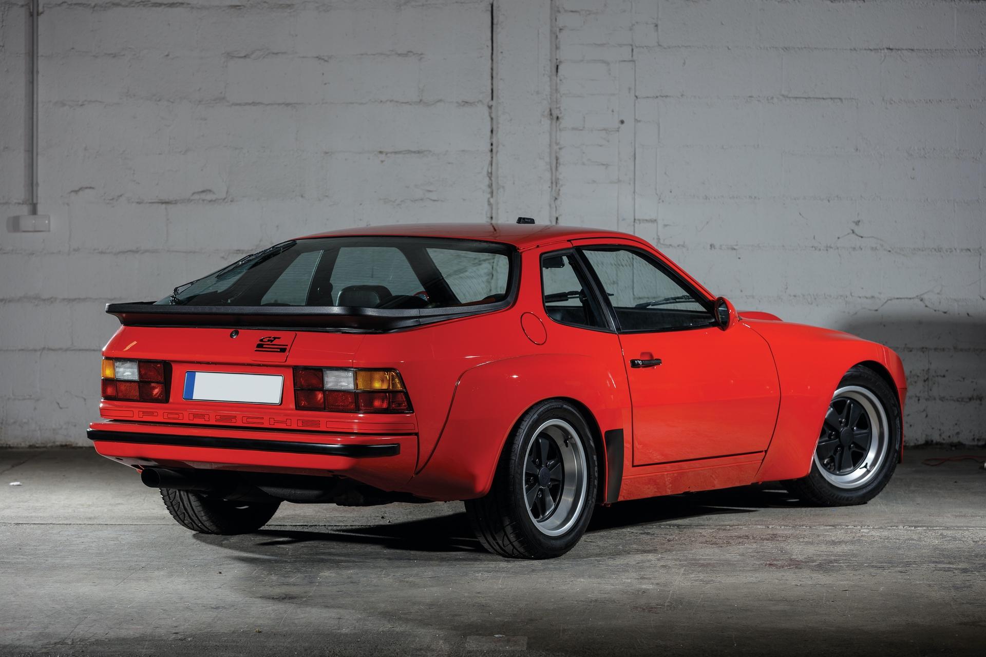 1982-Porsche-924-Carrera-GTS-_1