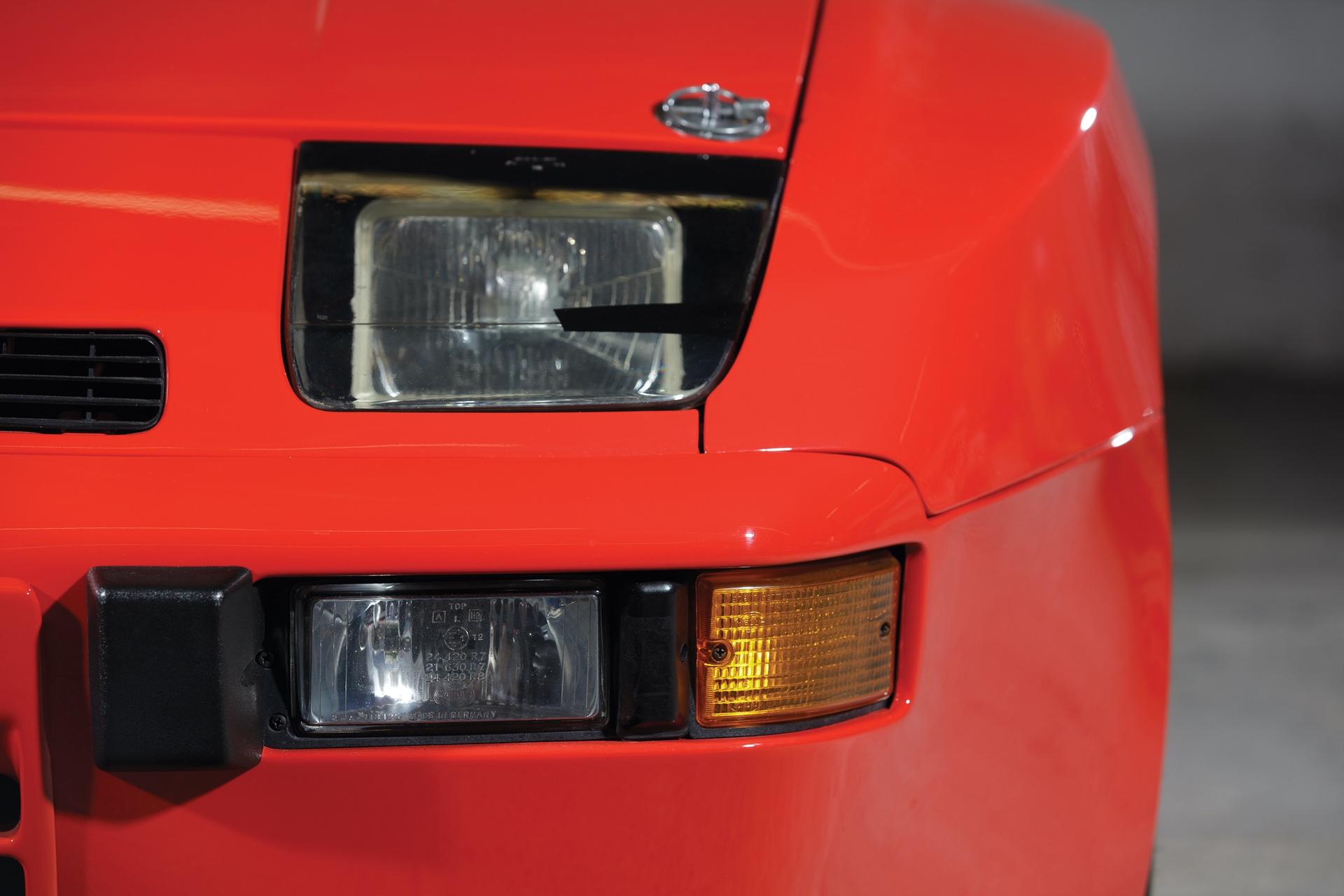 1982-Porsche-924-Carrera-GTS-_17