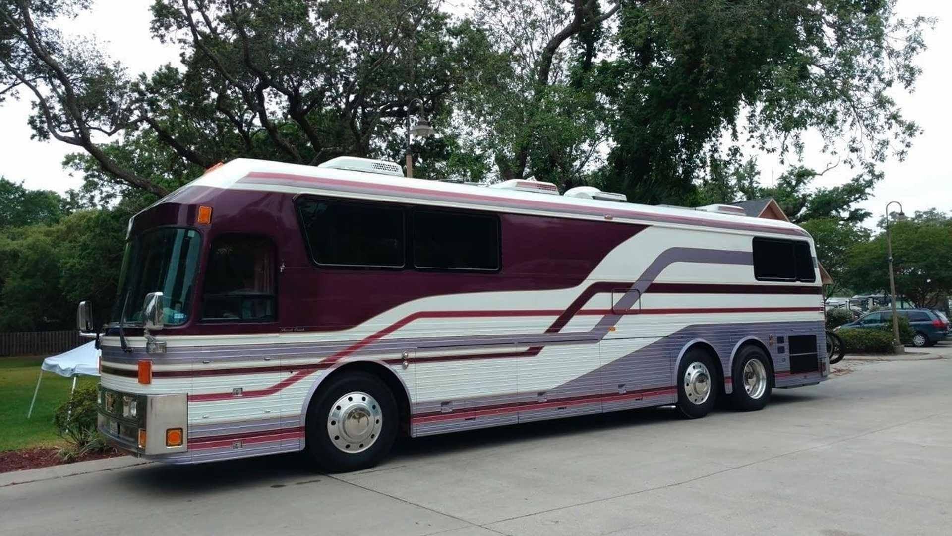 1983_Eagle_Model_10_Motorcoach_Purple_Rain_Tour_0002