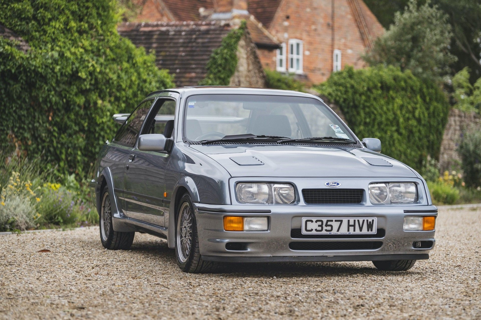 04-1985-Ford-Sierra-RS-Cosworth-Pre-Production