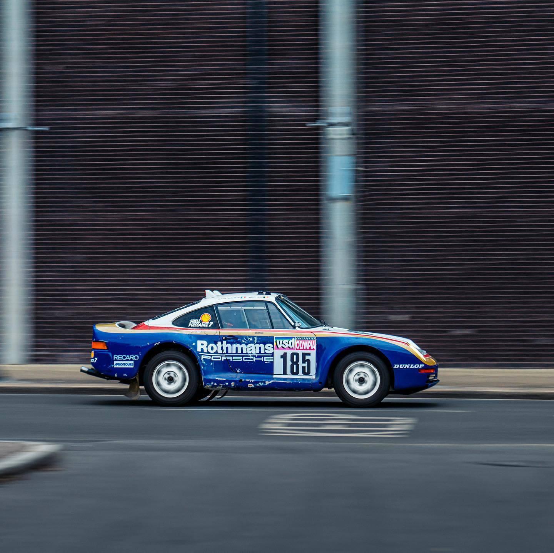 1985_Porsche_959_Paris-Dakar_Rally_Car_0003
