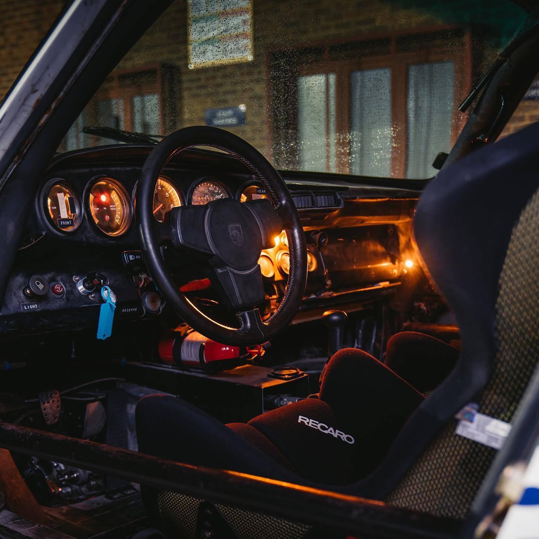 1985_Porsche_959_Paris-Dakar_Rally_Car_0005