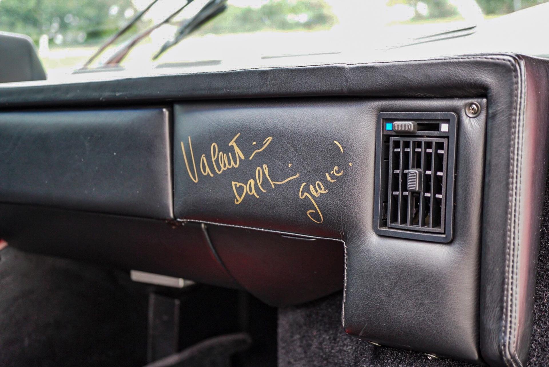 1988_Lamborghini_Countach_5000_QV_0001