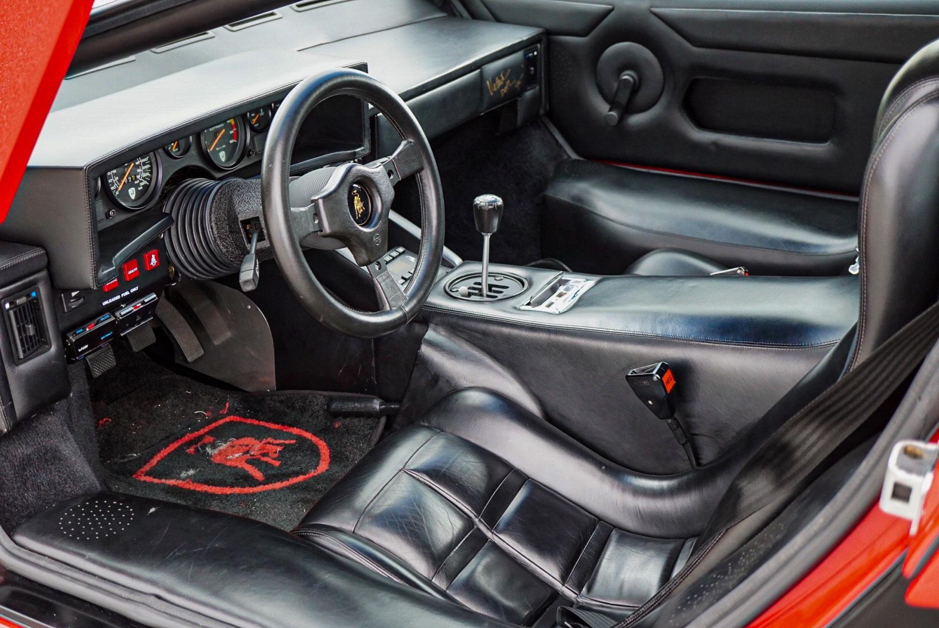 1988_Lamborghini_Countach_5000_QV_0004